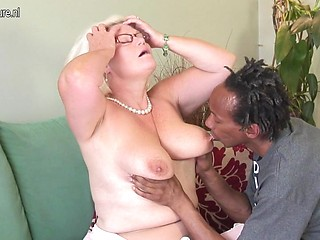 Interracial Mommies Fuck